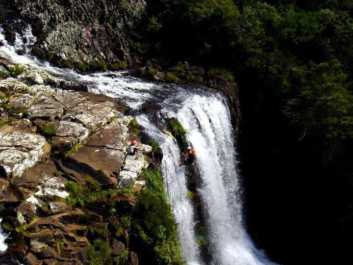 Parque da Cachoeira: rapel - Mapa de Gramado. Foto: Divulgação, facebook Parque da Cachoeira