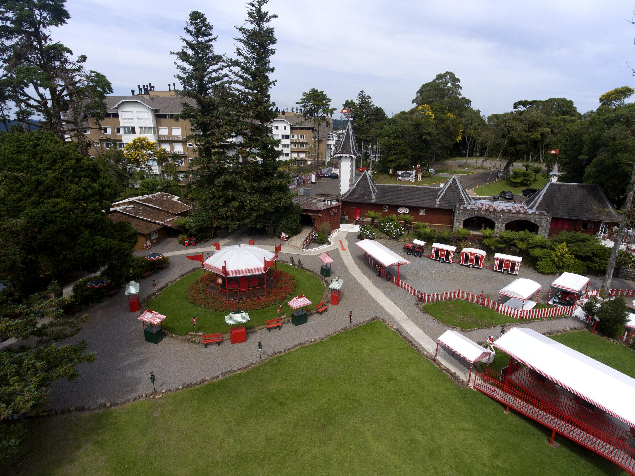 A Rena Mais Famosa Do Papai Noel aldeia do papai noel em gramado: atrações e como visitar