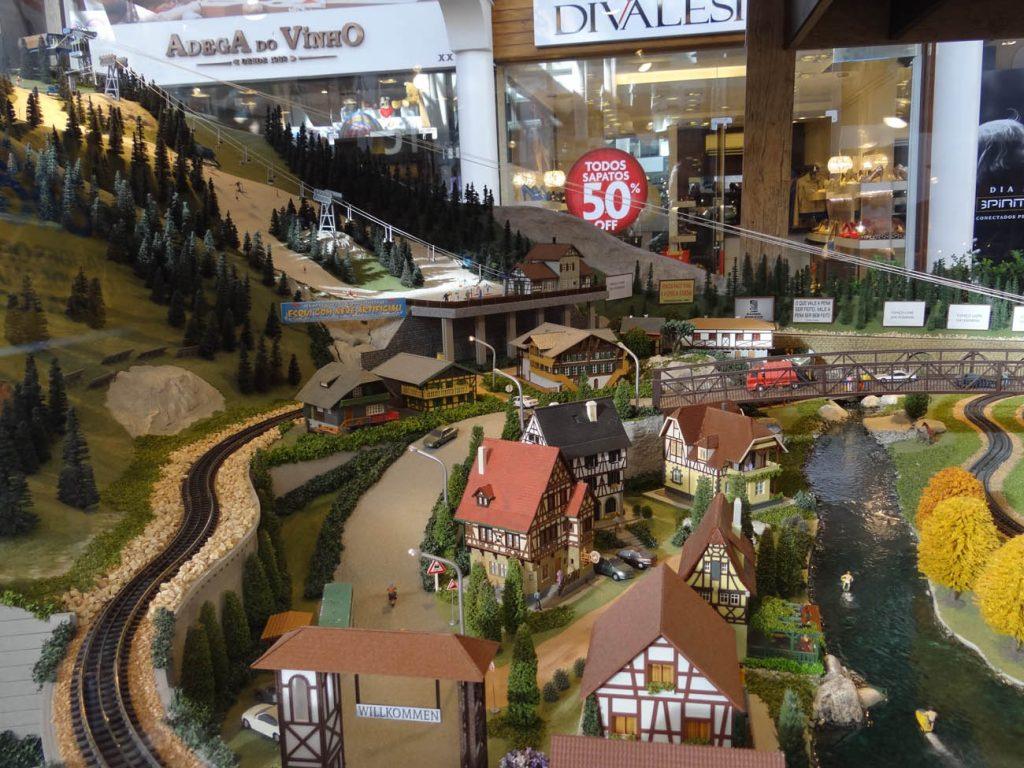 Largo da Borges: maquete gigante - Mapa de Gramado. Foto: Bárbara Keller