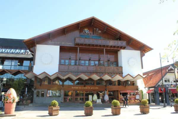 Palácio dos Festivais é ponto turístico em Gramado