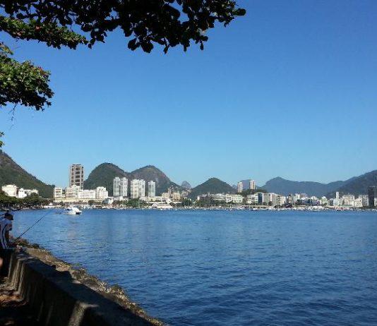 Experimente o happy hour na Mureta da Urca no Rio de Janeiro