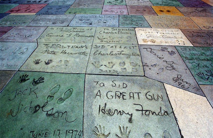 No Teatro Chinês, você encontra as marcas das mãos e dos pés de seus artistas do coração. Foto: iStock, Getty Images