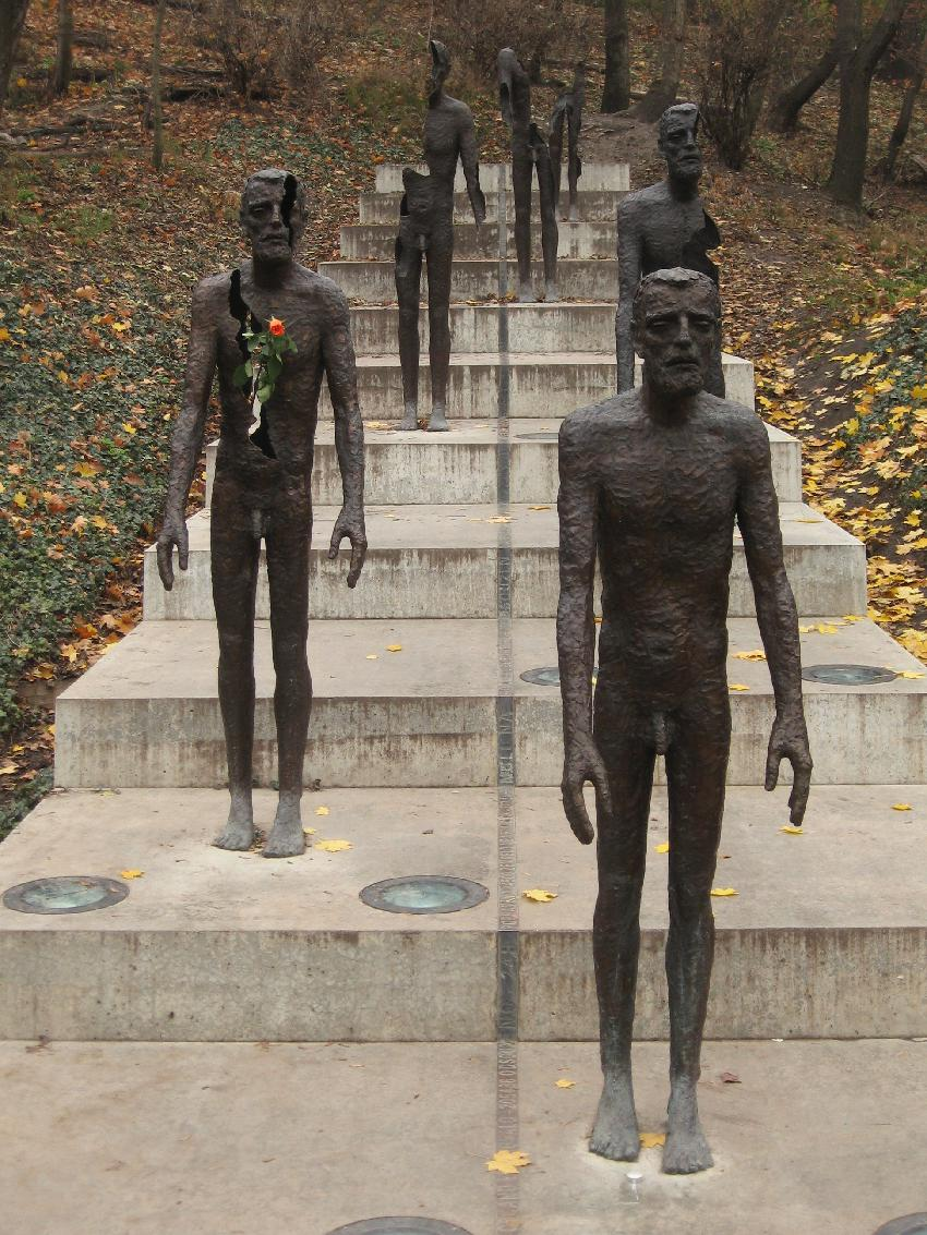 Monumento às Vítimas do Comunismo é impactante e polêmico. Foto: Ludek, CC BY-SA 3.0